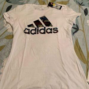 Adidas t-shirt new!!!